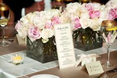 Etiqueta en la mesa